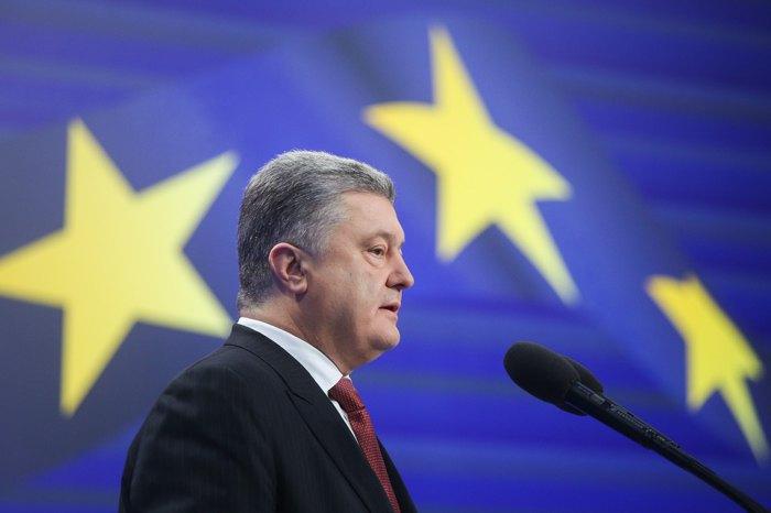 Порошенко объявил, что неготов принять корабли без Крыма