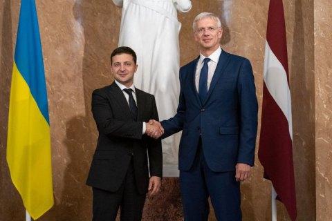 На зустрічі із Зеленським президент Латвії зробив важливу заяву по Криму