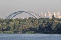 На Подільському мосту в Києві демонтували майже всі тимчасові опори