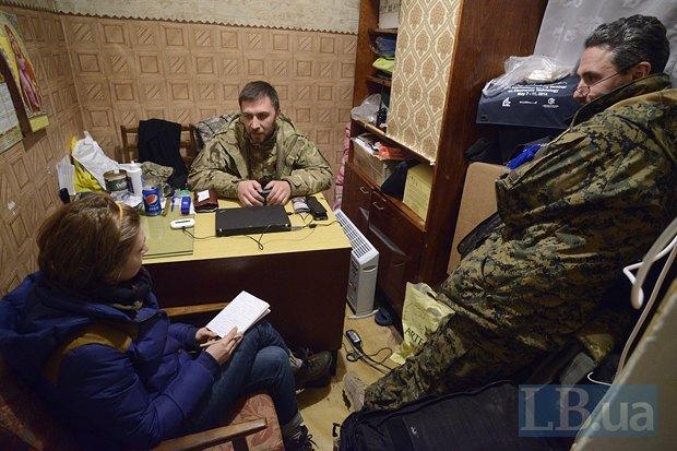 Раньше Алексей работал бизнес-тренером. Говорит, что вернется к бизнесу после парада на Красной площади и восстановления действительно дружественных отношений с Россией