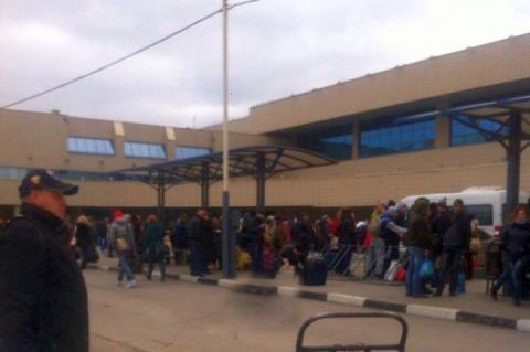 У Ростові-на-Дону через загрозу вибуху евакуювали відвідувачів аеропорту і трьох вокзалів