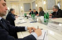 Порошенко предложил ЕС направить дипломатическую миссию на Донбасс