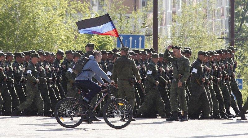 Во время репетиции парада в центре Донецка, 3 мая 2019 г.