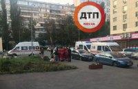 В Киеве невменяемая женщина открыла стрельбу на детской площадке