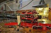 Вооруженные мародеры грабят магазины в Енакиево