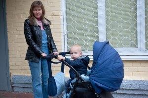 Українки виходять із декрету завчасу