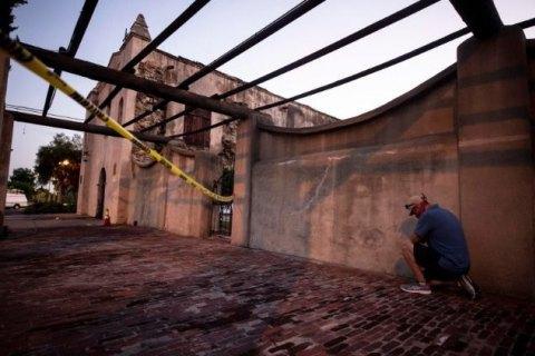 """Римско-католическая церковь пожаловалась на """"антикатолический вандализм"""" в США"""