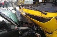 У ДТП у Маріуполі постраждали 8 осіб, одна людина загинула