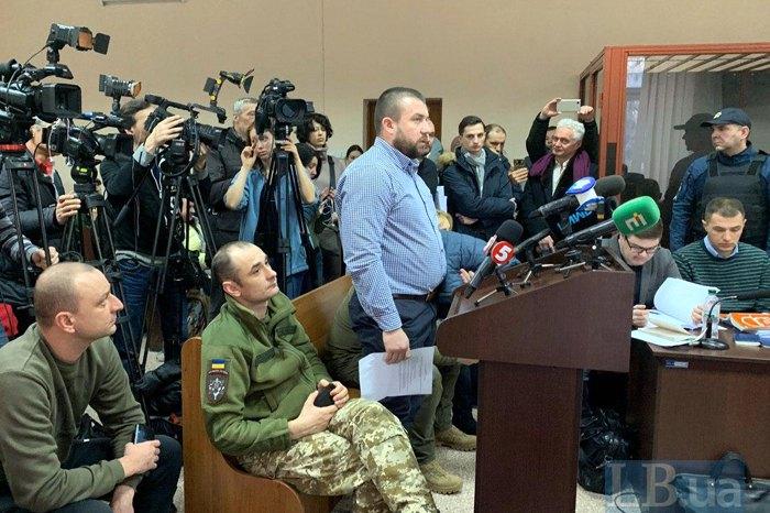 Сергій Почтаренко (у центрі) під час засідання
