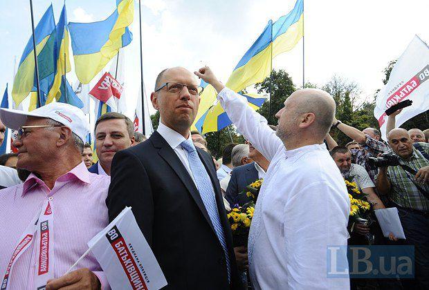 Место Юлии Тимошенко в оппозиции пришлось занять Яценюку