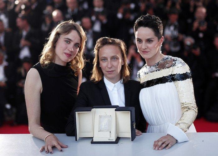 Адель Енель, Селін Сьямма та Ноемі Мерлан після церемонії нагородження в Каннах
