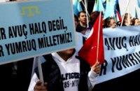 Через окупацію кримських татар можуть змусити перейти на кирилицю
