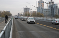 У Києві зняли 14-місячне обмеження на проїзд по Русанівському мосту