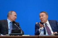"""Назарбаєв не вірить у бажання Путіна """"відхопити шматок України"""""""