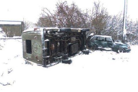 У Чернігівській області перекинувся мікроавтобус зі школярами