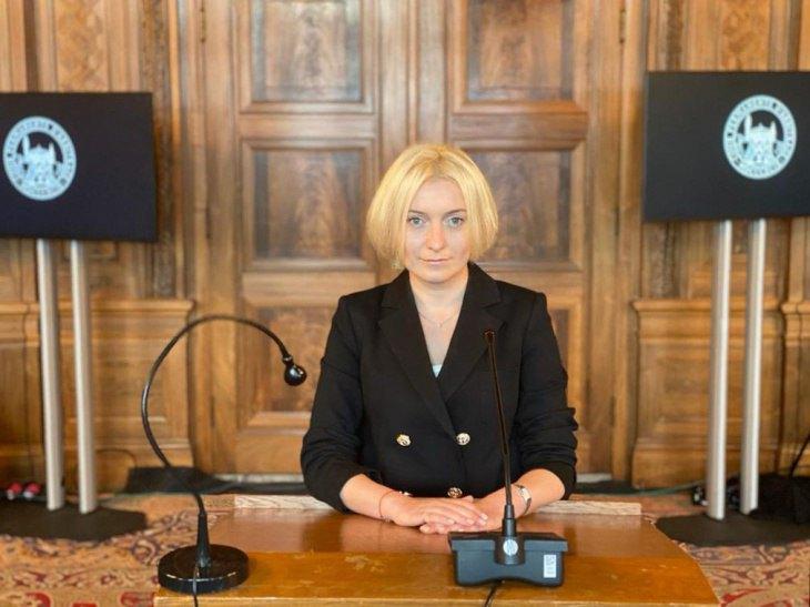 Начальниця відділу Департаменту міжнародного права МЗС України Оксана Золотарьова під час виступу перед арбітражем
