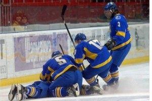 Украинские хоккеисты громят румынов