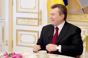 """""""Регионал"""" уверяет, что Януковичу нужно тратить деньги на роскошные покупки"""