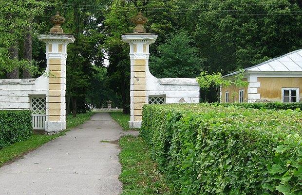 Брама парку в маєтку Чечелів, Самчики. XVIII ст.