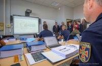 Вісім українських пілотів проходять підготовку у Франції, - Аваков