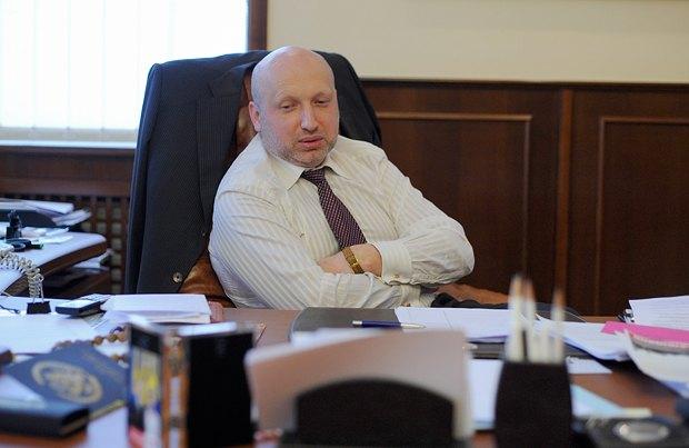 Александр Турчинов сказал, что оппозиция определилась со своим кандидатом на выборах мэра столицы. Но имя назвать отказался