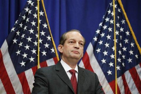 Министр труда США ушел в отставку