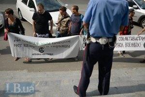 На в'їздах до Севастополя встановили капітальні блокпости