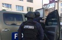 В Грузии всех захваченных в банке заложников освободили, террорист скрылся с деньгами