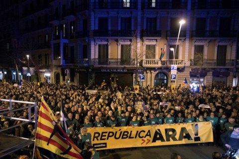 У Барселоні спалахнули протести в зв'язку з рішенням іспанського суду про арешт Пучдемона