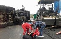 В Кировоградской области военный МАЗ въехал в бригаду дорожников (обновлено)