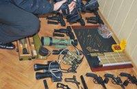 Одесская пенсионерка сдала в милицию ружья и револьвер