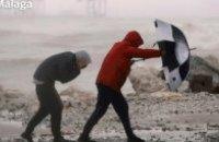 В Испании рекордно сильный снегопад заблокировал дороги, три человека погибли (обновлено)