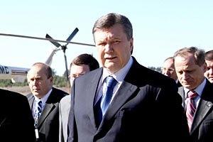 Янукович зібрався в Єнакієве на могилу матері