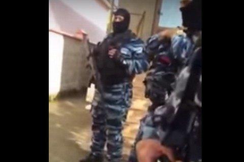 В домах крымских татар провели новые обыски