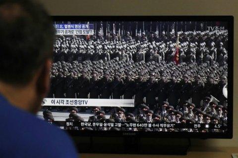 КНДР провела військовий парад напередодні Олімпіади