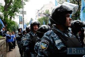 """Милиция отрицает столкновения с оппозицией у """"Олимпийского"""""""