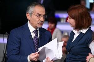 Янукович сделал Шустера заслуженным журналистом
