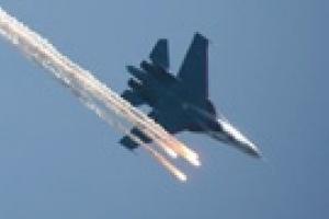 Причиной столкновения Су-27 могла стать ошибка пилотирования