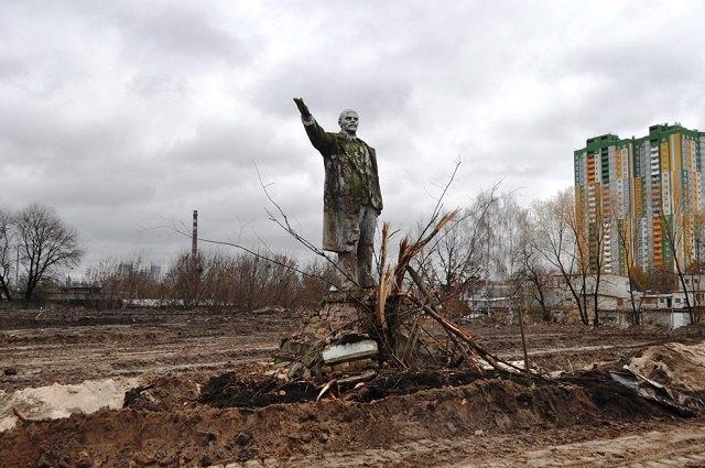ВКиеве обнаружили последний монумент  Ленину