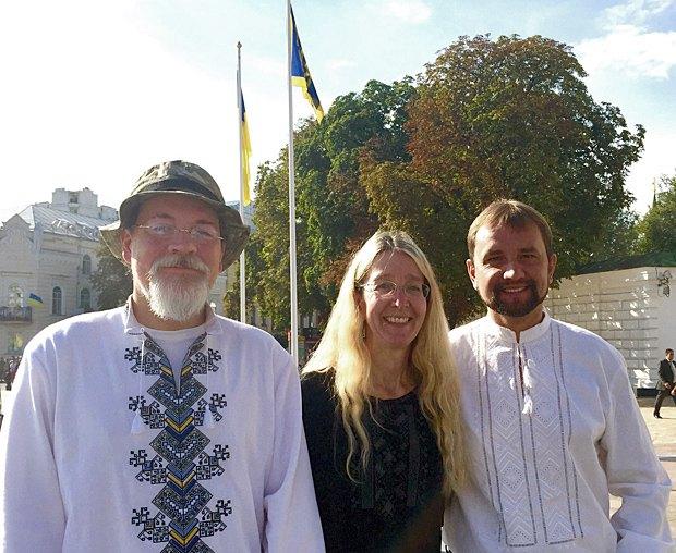 Володимир Вятрович з Уляною та Марком Супрунами