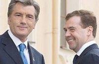 Встреча Ющенко и Медведева ограничится пожатием рук