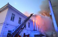 У центрі Полтави згоріла історична будівля, загинула людина (оновлено)