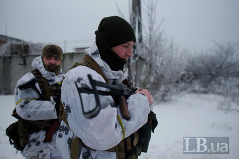 В зоне ООС получили ранения двое украинских военных
