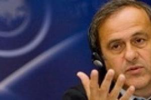 Платини: Украина создает организаторам Евро-2012 много проблем