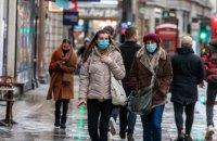 У Великобританії зафіксували антирекорд з кількості смертей від ковіду, Королева вакцинувалася
