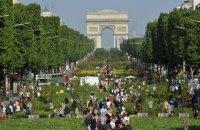 Росіянин відкрив стрілянину на Єлисейських полях у Парижі
