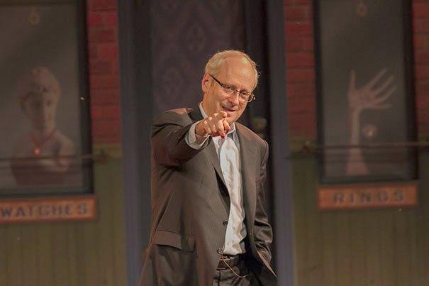 Майкл Сэндел во время лекции