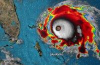 """Ураган """"Доріан"""" застряг над Багамами"""