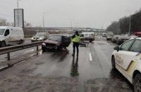 У Києві авто виїхало на зустрічну смугу та спричинило ДТП з п'ятьма машинами