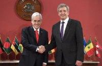 Посол Білорусі в Аргентині двічі подав у відставку